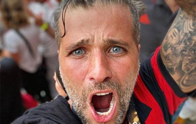 Bruno Gagliasso com camisa do Flamengo