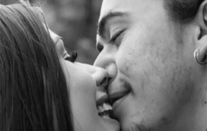 Whindersson Nunes beija Maria Lina