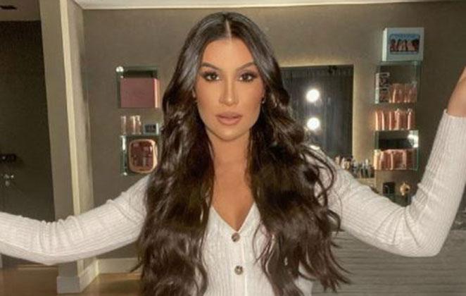 Bianca Andrade em foto posada