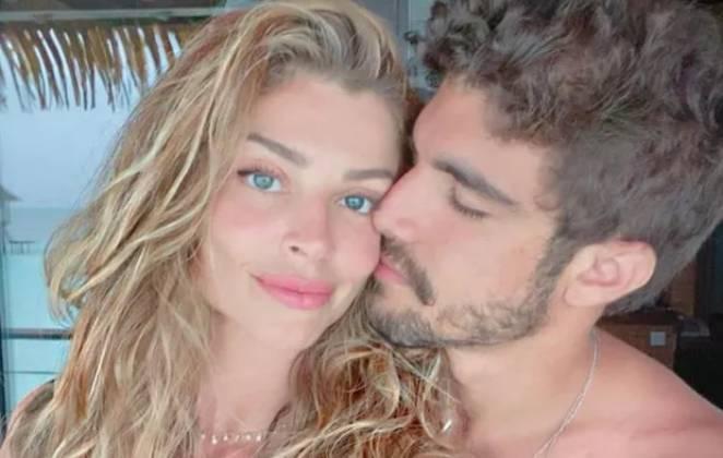 Caio Castro beija Grazi Massafera