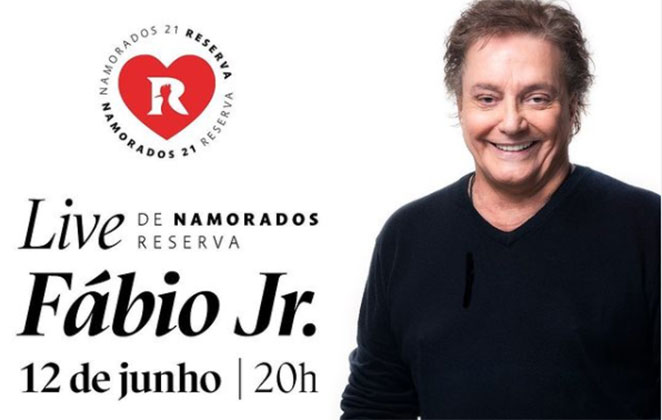 Fábio Jr. surge sorridente com blusa preta