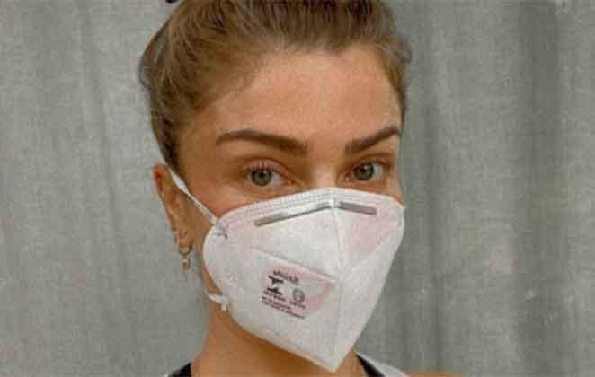 Grazi Massafera defende o uso de máscara