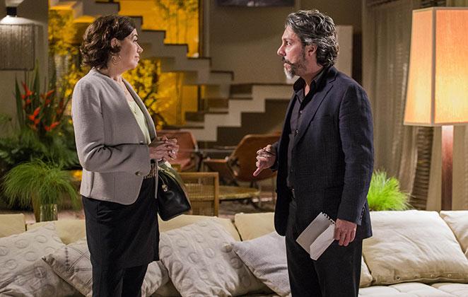 Lília Cabral e Alexandre Nero em cena de Império