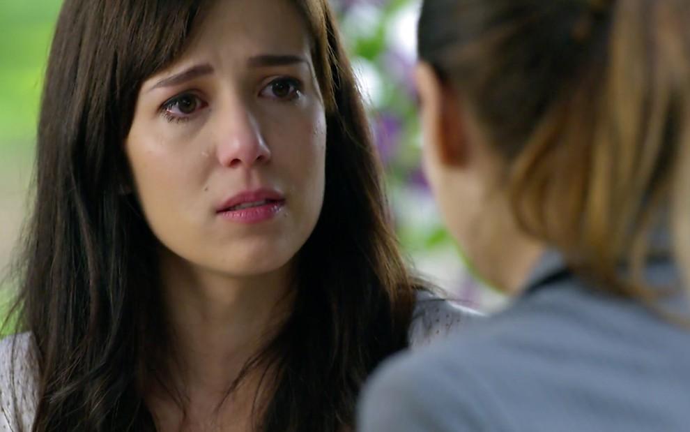Manuela chorando em A Vida da Gente