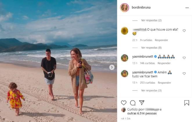 Post de Bruna Medina no Instagram com comentário de Yasmin Brunet e foto dela com o marido, Felipe Medina, e a filha, Analua